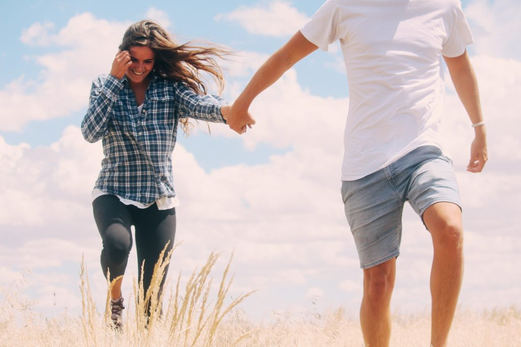 追われる女性で幸せな恋愛を!追われる女性になる4つの方法とは?