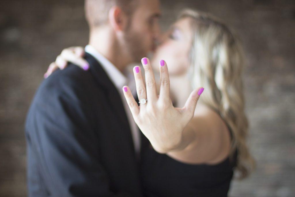 別れたけど結婚する気がする!元カレが運命の人にする3つの方法
